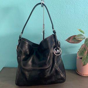 🖤 Michael Kors gorgeous leather hobo bag!🖤